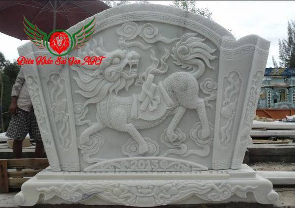 Điêu khắc bức bình phong công trình đình chùa, nhà thờ họ 4